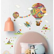 Воздушный шар и флажки