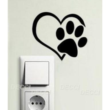 Наклейка на стену у выключателя Сердце с лапкой
