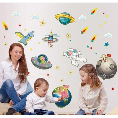 Наклейка на стену Космос-мечта светящаяся