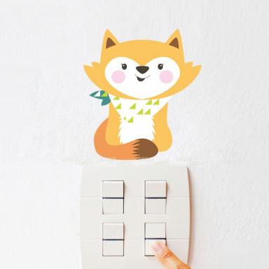 Наклейка на стену у выключателя Малышка-лиса